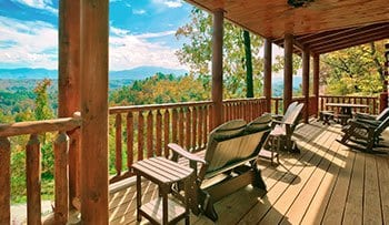 Big group cabin near Pigeon Forge with view of Great Smoky Mountains
