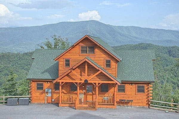 Photo of the exterior of Parkside Palace, one of our Pigeon Forge cabin rentals
