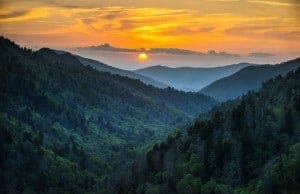 Scenic photo of the Great Smoky Mountains.