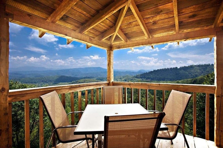 mountain view from heaven on Earth cabin